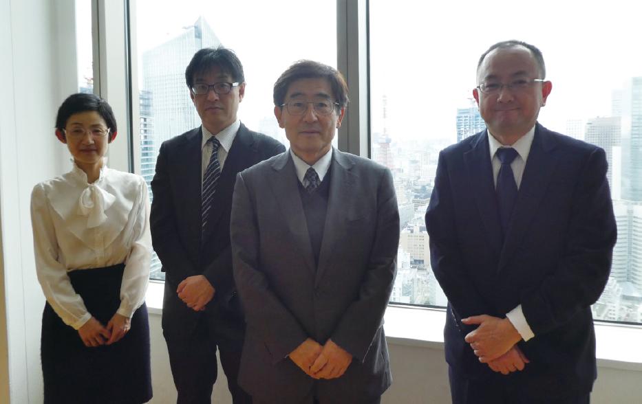 左から、横尾、赤池、雨宮特任教授、氏田